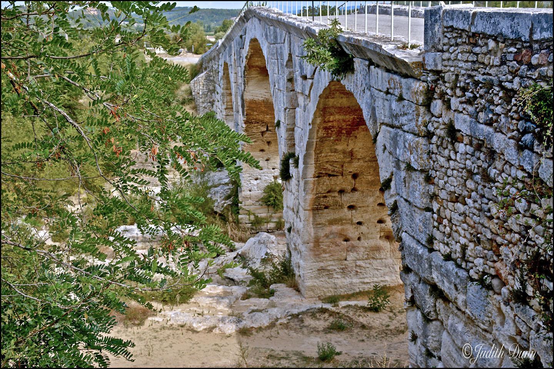 Pont St. Julien, Luberon Valley
