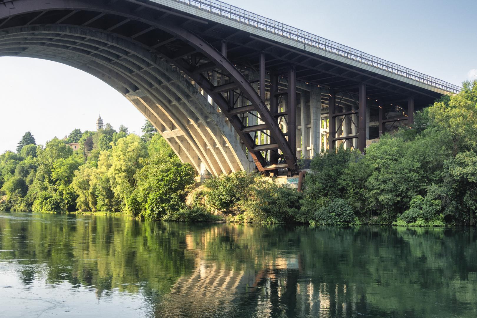 Ponte dell'autostrada, fiume Adda