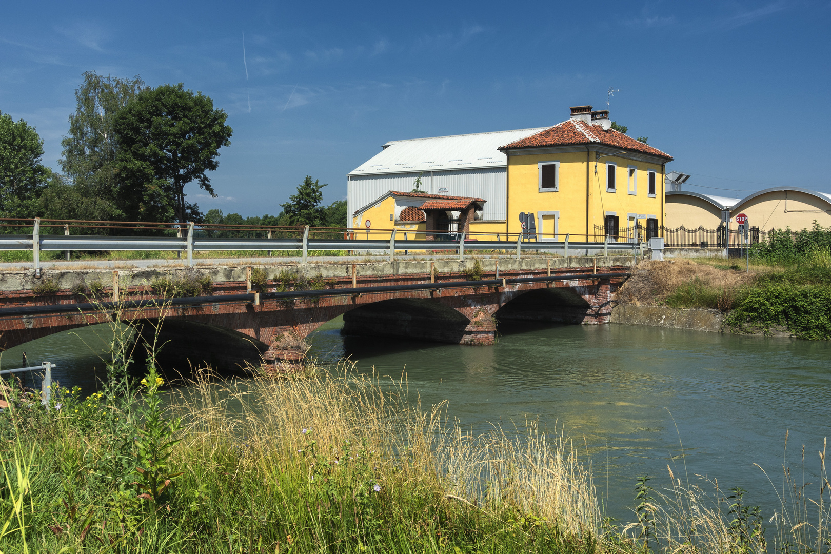 Ponte sul Canale Cavour