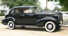 Pontiac Six 4-Door Touring Sedan Bauj. 1938
