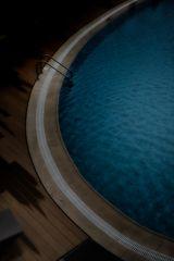 pool.de.light (stay within reason)