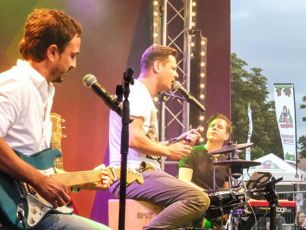 POP Stgt Trio lum-19-08col Aktuell