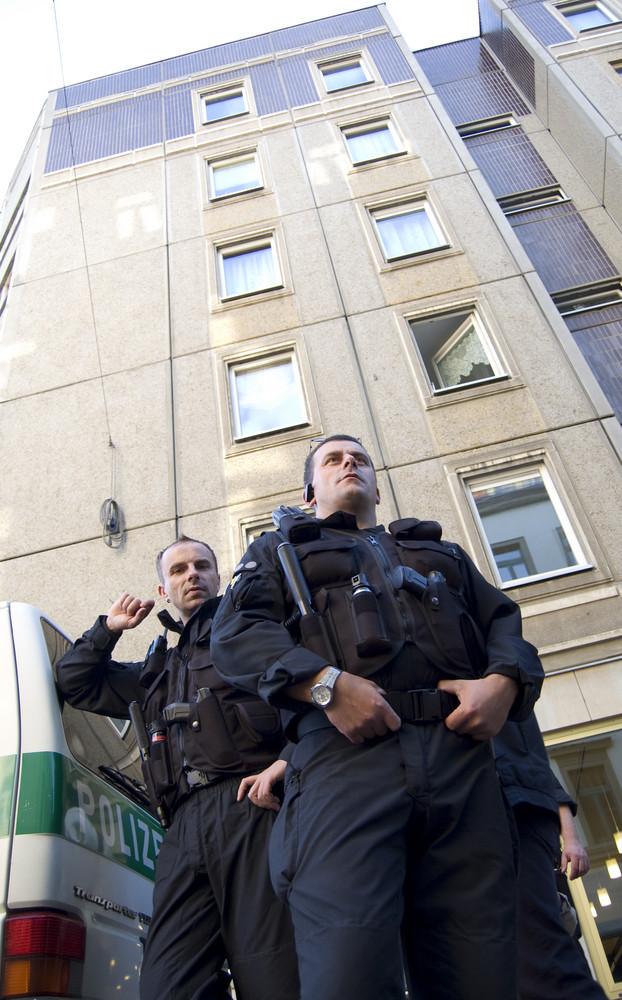 PoPo - Posing Police