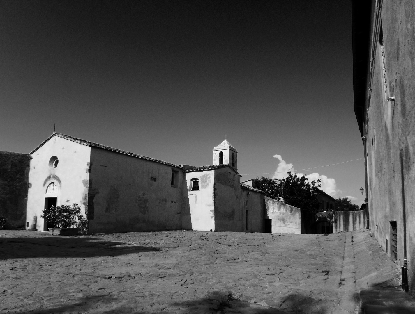 Populonia - Chiesa di santa Croce