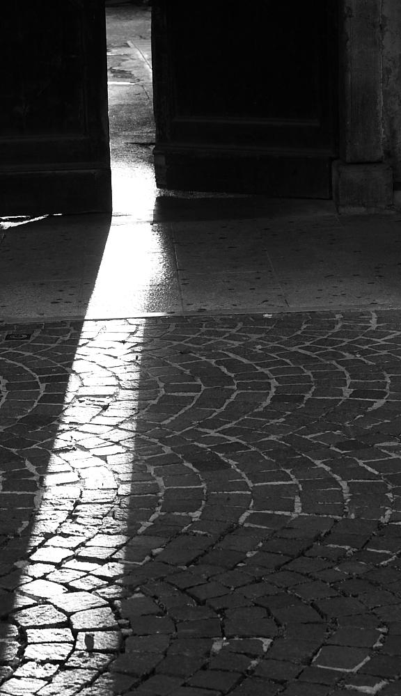 Pordenone, portone corso Vittorio Emanuele