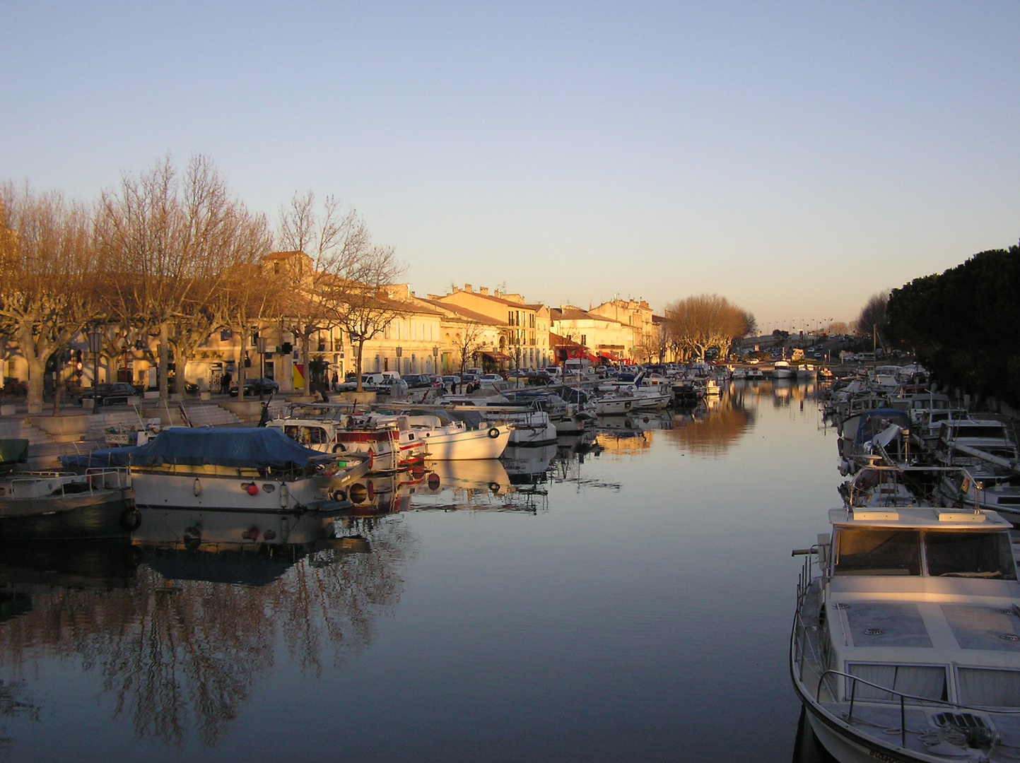 Port canal de Beaucaire