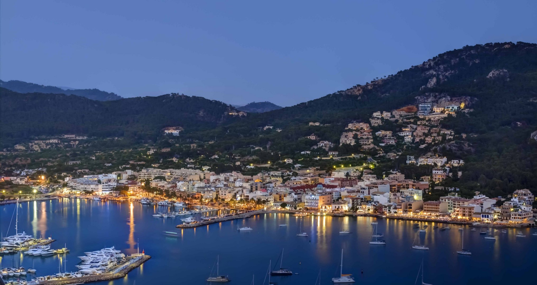 Port d' Andratx zur blauen Stunde