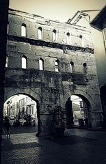 Porta Borsari(o Borsàri)....Verona