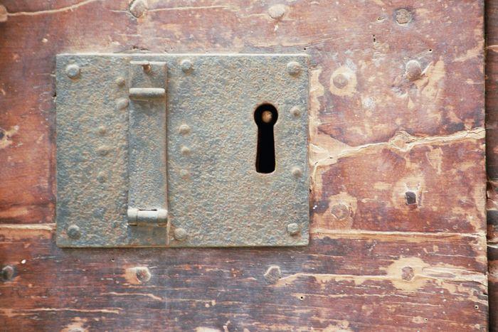 porta chiusa 3