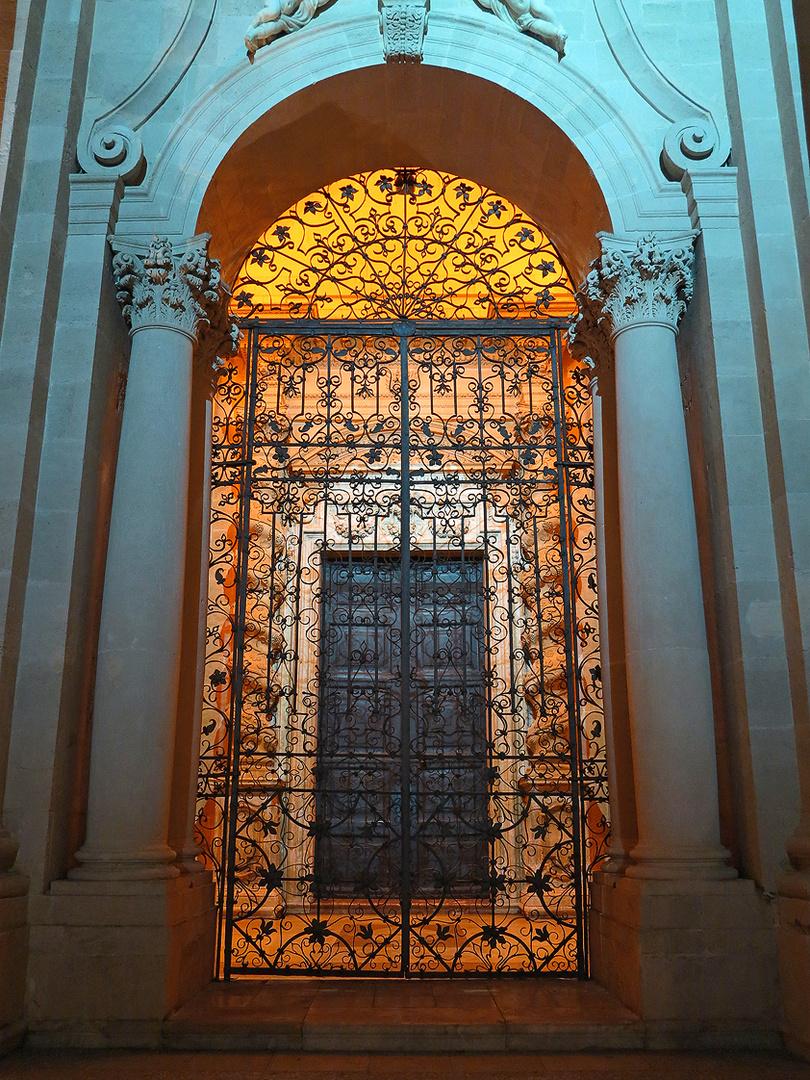 Portal des Doms von Syrakus / L'ingresso del duomo di Siracusa
