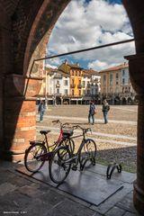 Portico sulla Piazza della Vittoria, Lodi