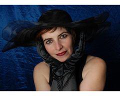 Porträt mit Hut 2