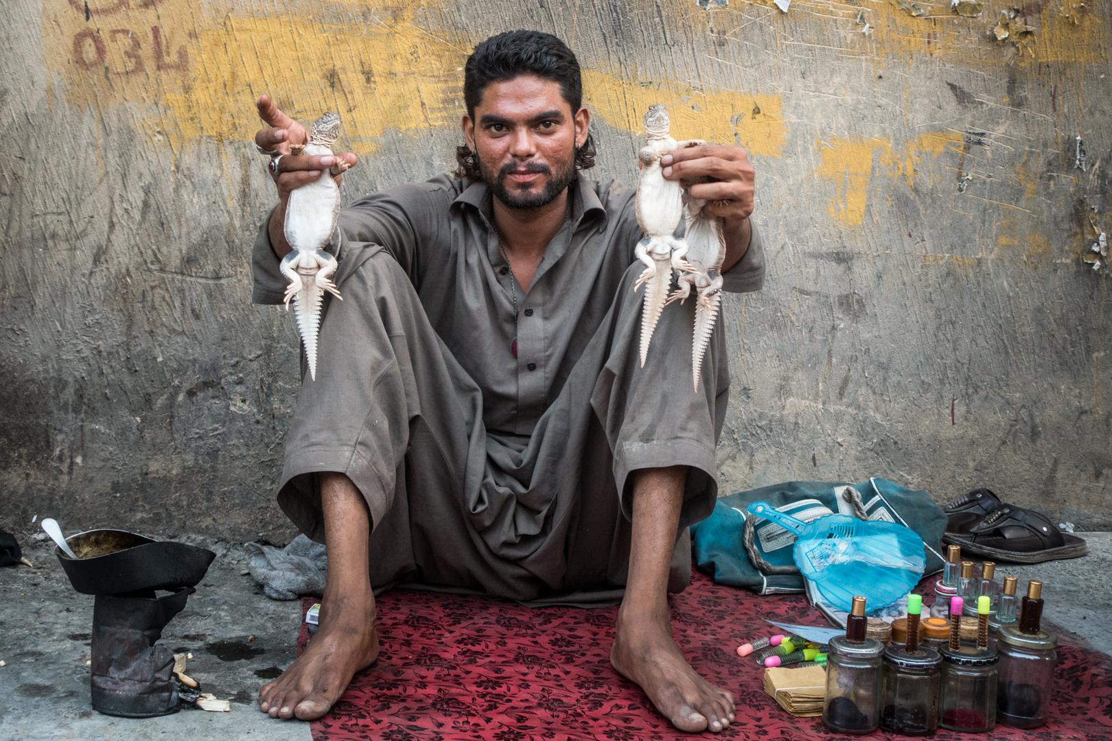 Porträts aus Pakistan: Händler im Basar von Rawalpindi