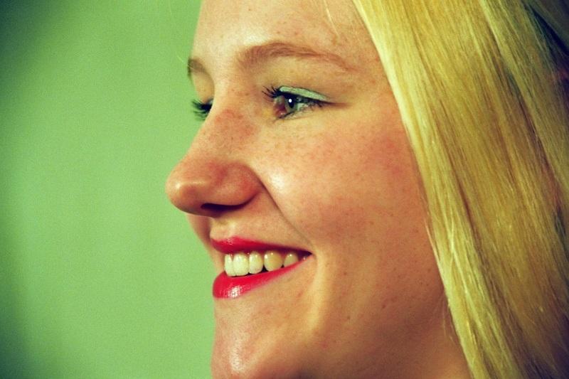 Portrait mit Sommersprossen