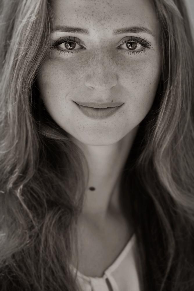 *portrait of leonie*