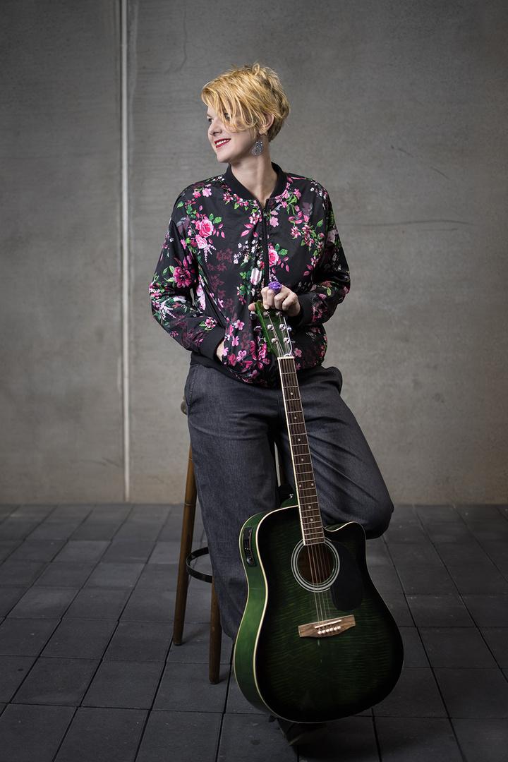 Portrait von einer Songwriterin