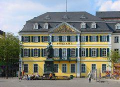 Postamt mit Beethovendenkmal