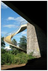 Postkarten(farbene) Ansicht eines Brückenaufganges