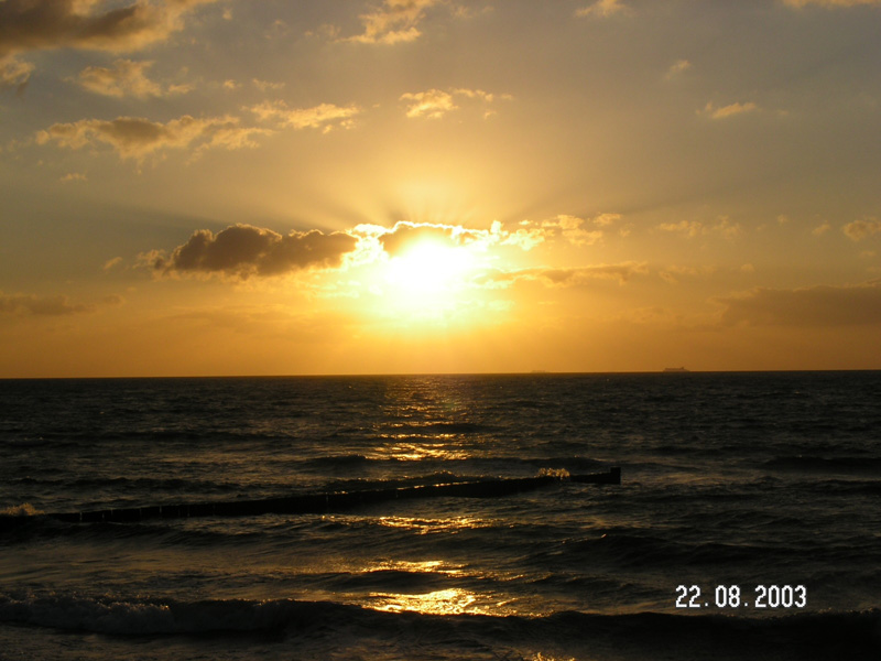 Postkartenidylle eines Sonnenuntergangs