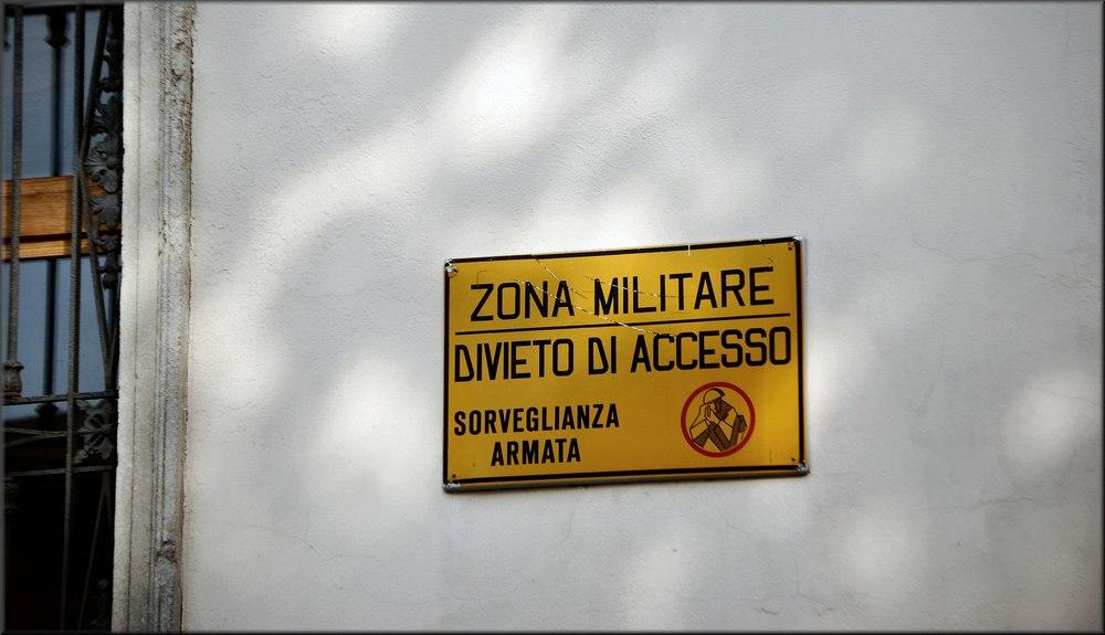Posto di Guerra a Padova....Grazie , non voglio entrare !!