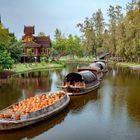 Pottery transport on the klong