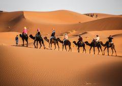 PP FATA GANA MOR in Wüste in Maroc