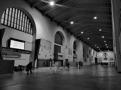 PP HALLE Bahnhof morgens P20-20-sw
