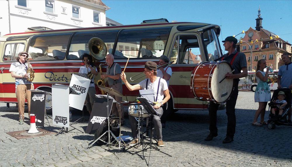 PP Jazzbus  J5-19-25 juni19 +8Fotos