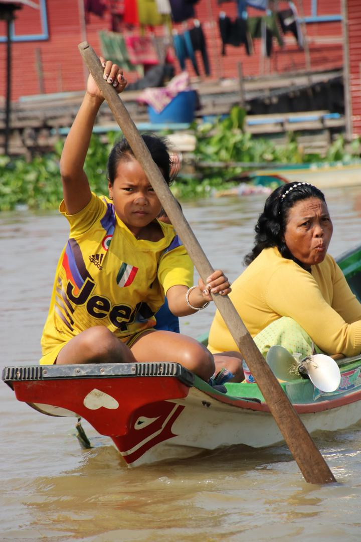 PP Kind rudert Cambodscha Ca-01-20-col +8Fotos +Reisetext