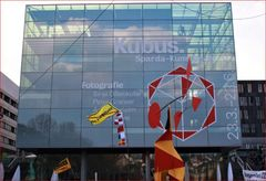 PP Kubus +Calder Fahnen Stgt col