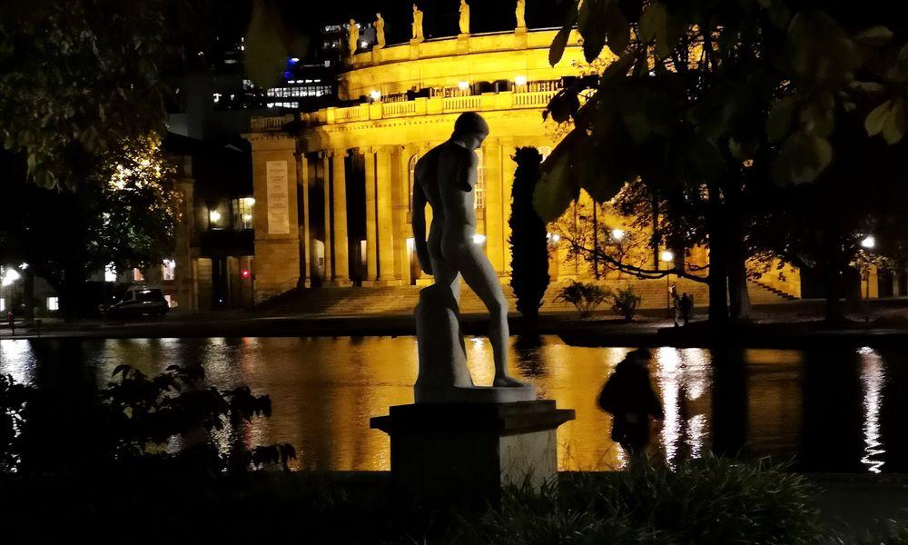 PP Statue Oper Stgt p20-19-col