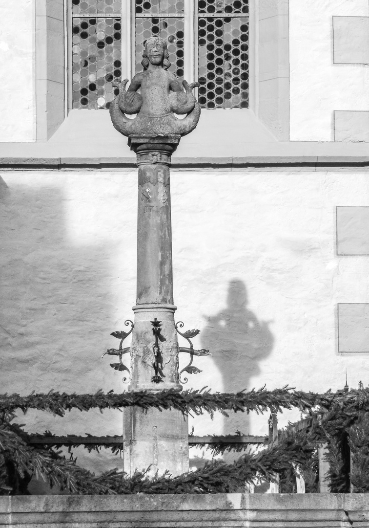PP Statue Schatten R lum-19-sw +6Fotos
