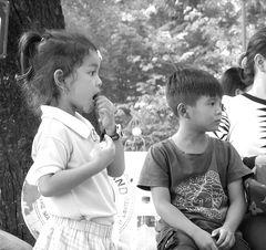 PP street Kinder Cambodia Lumix-20-sw