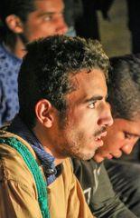 PP street Mann schaut Maroc-ca-21-090-col +text