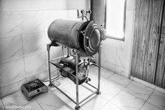 Prähistorischer Heißdampfsterilisator im Nazir Hussain Hospital Karachi