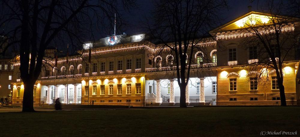 Präsidentenpalast bei Nacht (Vilnius, Litauen)