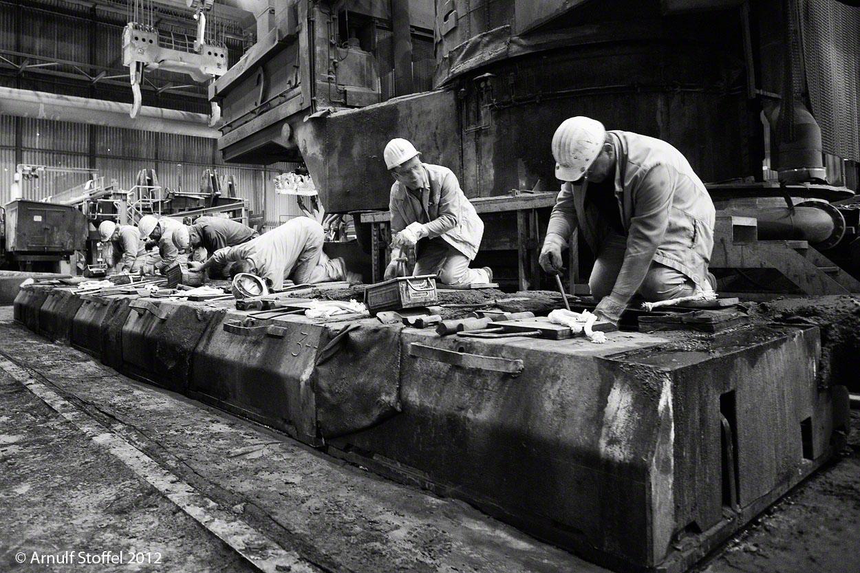 Präzissionsarbeit im Stahlwerk