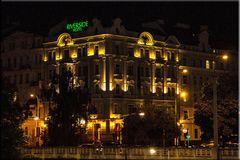 PRAG 12 - UNSER HOTEL BEI NACHT