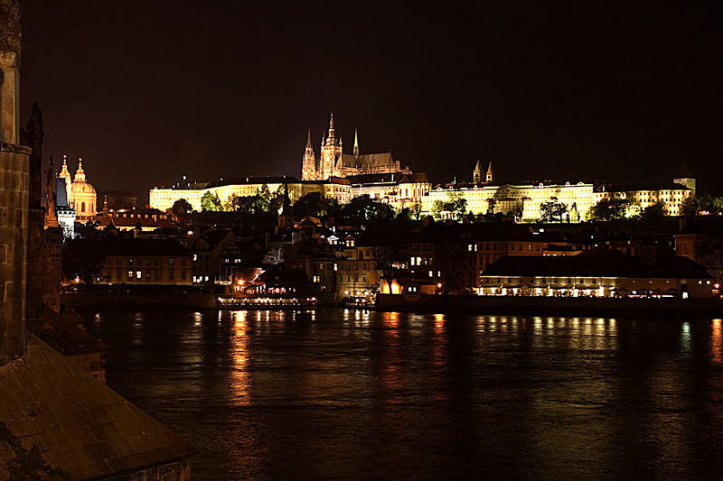 Prag bei Nacht - Burg Hradschin