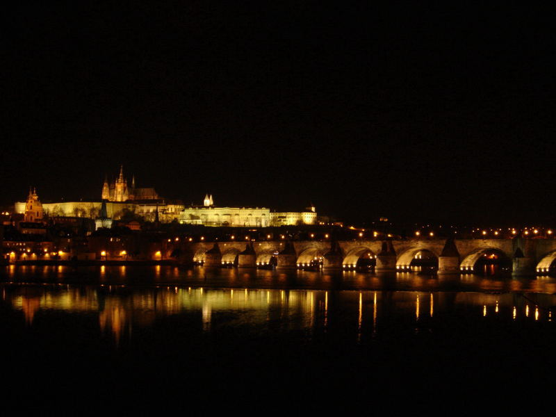 Prag - bridge by night