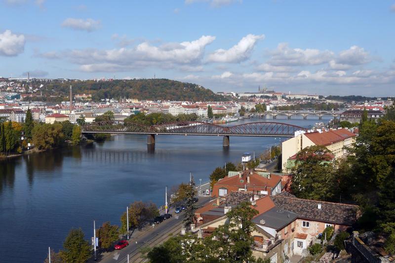 Prag - mit der Burg Hradschin und Moldau