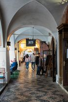Praga, i portici di Mala Strana