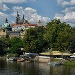 Prager Burg  2020 - Spaziergang an der Moldau -