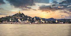 Premiers temples sur les collines de Bagan