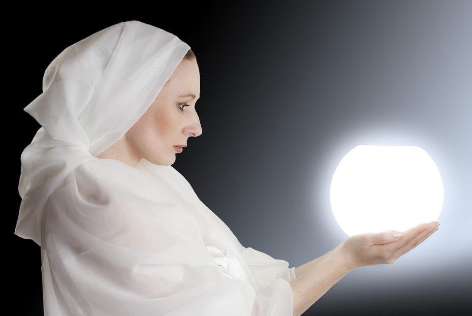 Priesterin des Lichts