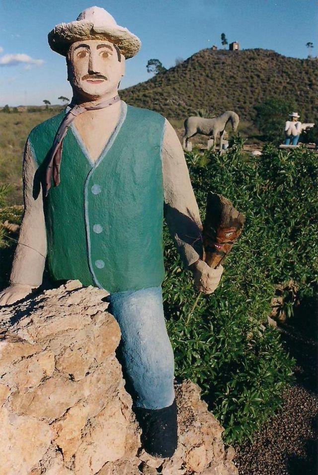 Primera escultura de hormigon en 1996