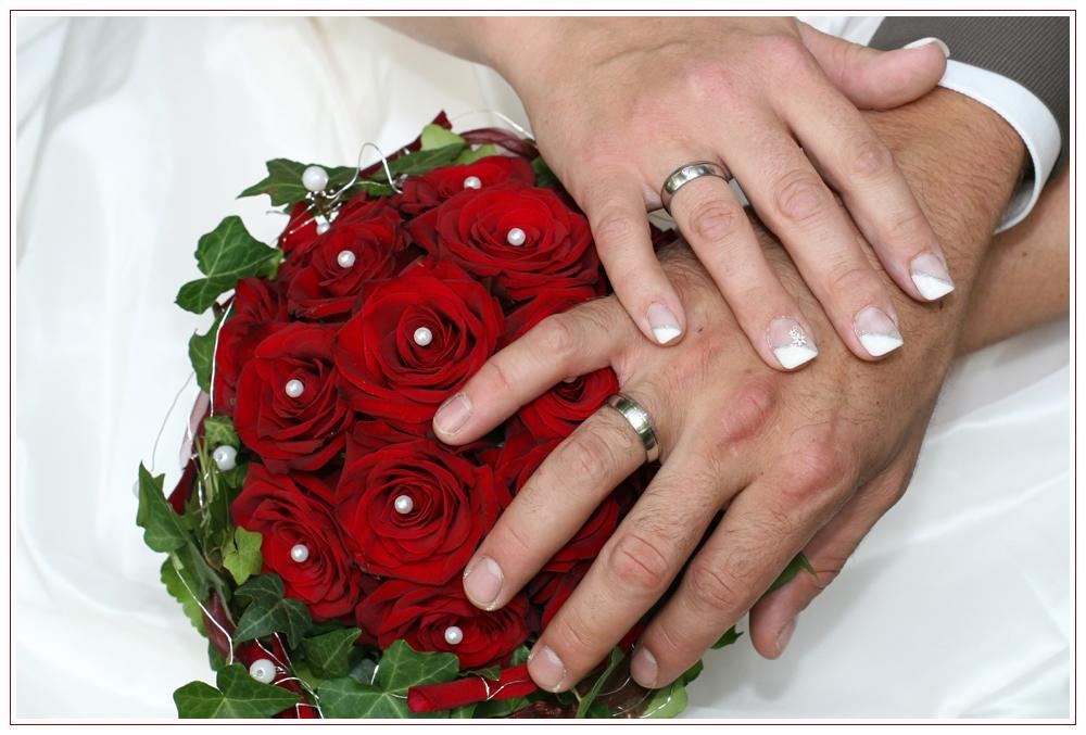 Probetragen Der Hochzeitsringe Foto Bild Hochzeit Hochzeiten