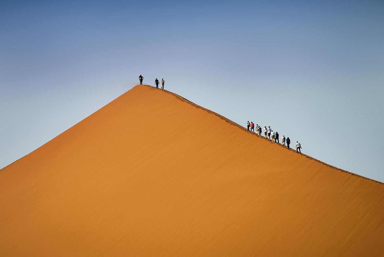 Processione sulla duna