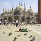 """Progetto """"Sdraiato"""" - Piazza San Marco, Venezia 2005"""
