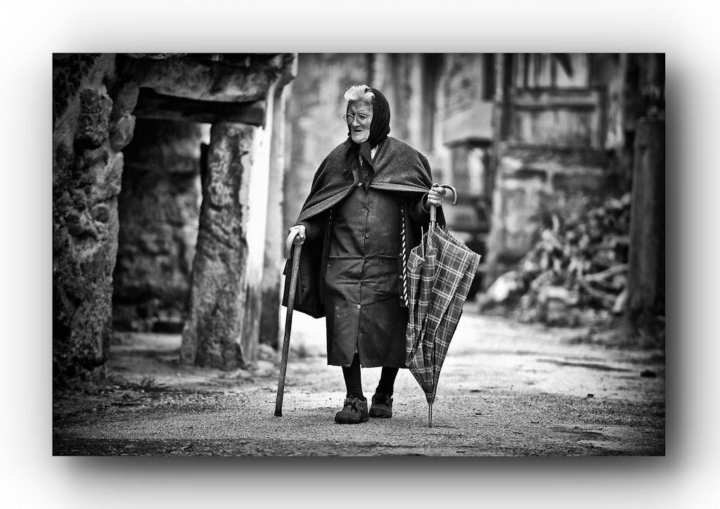 ....Promenade dans la village ( portugal ).....